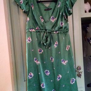 BETSY JOHNSON 100% SILK DRESS. SIZE 10 Vintage